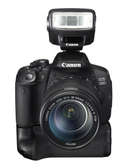 EOS 700D FRA SPEEDLITE 270EXII BG-E9 w EF-S 18-135mm IS STM_tcm86-1037542